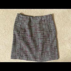 Banana republic fully lined skirt with 2 pockets